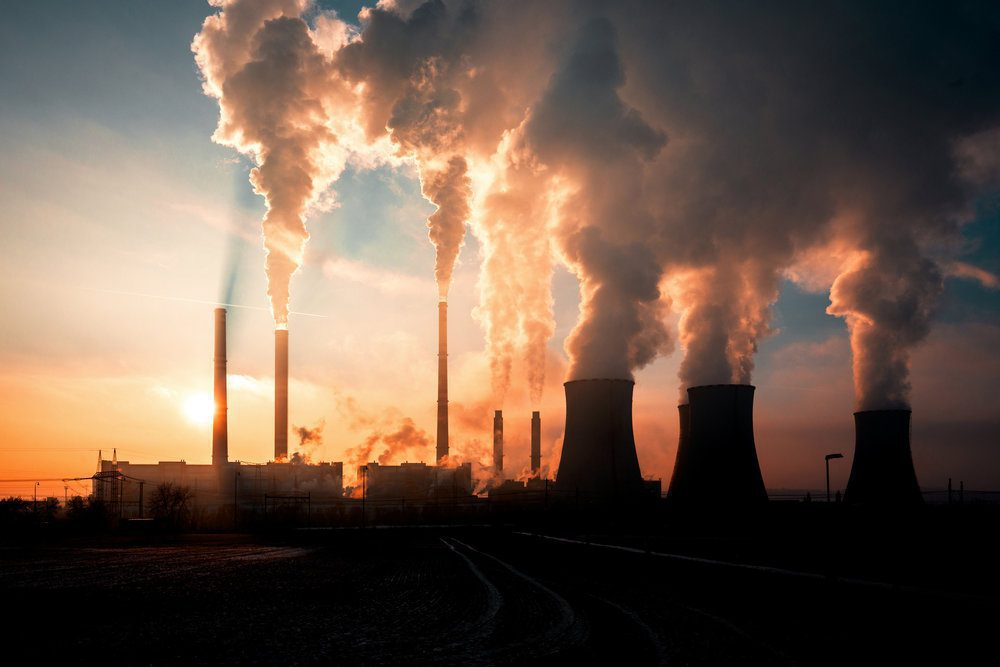 Factory polluting the environment.